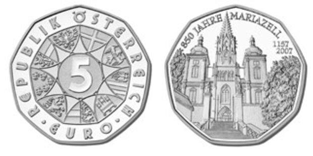 Papst-Medaille überreicht