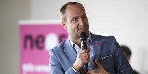 NEOS: Maßnahmen-Paket für gelungene Integration