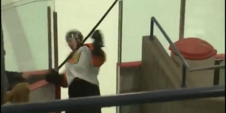 Hockey-Spieler schlägt sich selbst k.o.