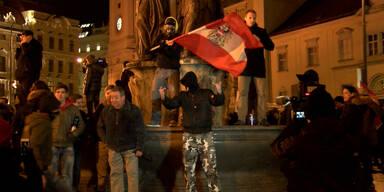 Hitlergruß bei Pegida-Demo