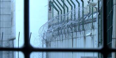 Aliyev erhängt sich in Zelle