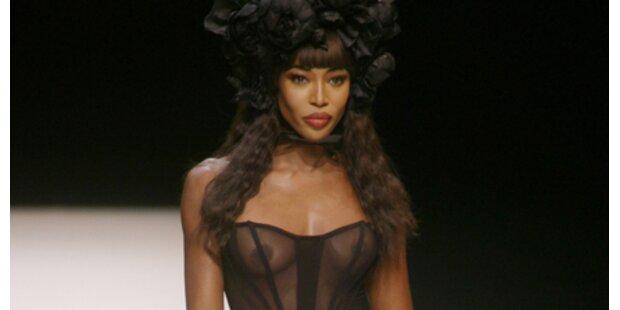 Naomi (39) im Nackt-Kleidchen!