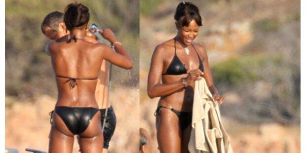 Naomi Campbell badet mit ihrem Lover