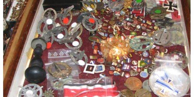 Nazi-Souvenirs am Adventmarkt