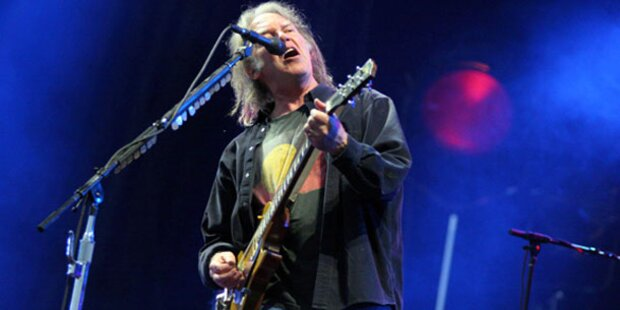 Neil Young rockt Wiener Stadthalle