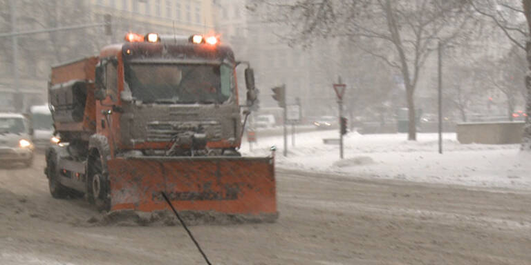 Neuschnee: Österreich im Verkehrschaos
