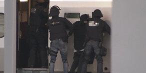Rotterdam: Bewaffneter Mann im Zug überwältigt