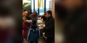 Flüchtlings-Keilerei in Wiener McDonald's