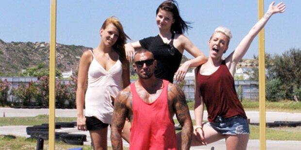 Tattoo-Freak sucht knackiges Girl