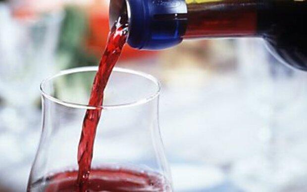 Wein lässt sich auch unter dem Bett lagern