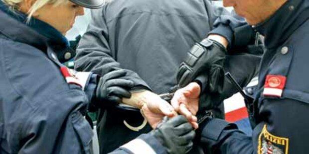 Alkolenker verpasst Polizist Kinnhaken