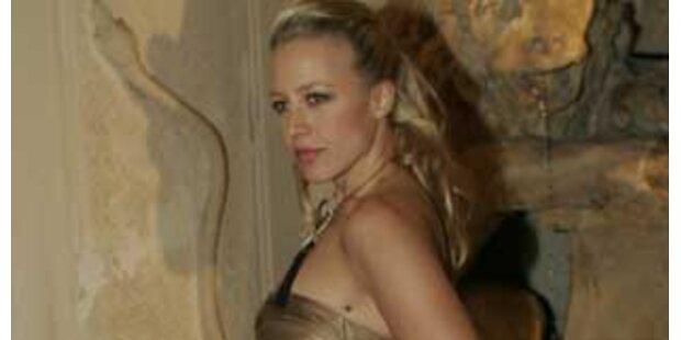 Nina Proll genießt ihr sexy Image