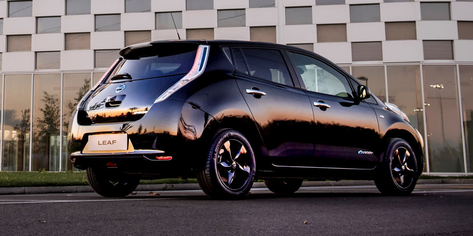 Nissan_Leaf_Black_Edi-960-1.jpg