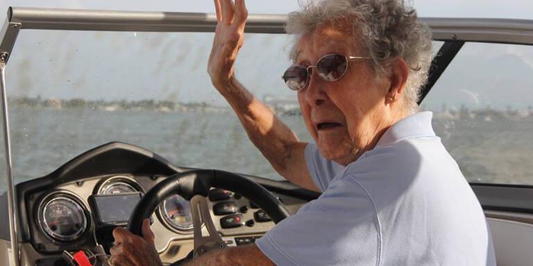 Wie die 90-jährige Norma dem Krebs wegläuft