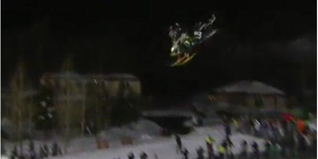Erster Frontflip mit Snowmobil geschafft