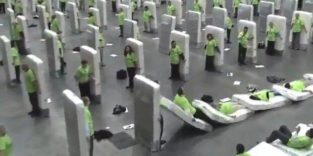 Guiness Weltrekord im Matratzen-Domino