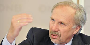 Nowotny bei der Pressekonferenz