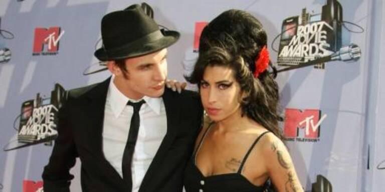 Ob Amy Winehouse mit ihrer neuen CD fertig wird?