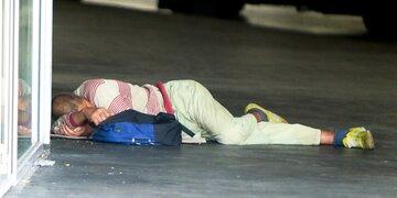 55-Jährigen misshandelt: Obdachloser in S-Bahn verprügelt: U-Haft für 18-Jährigen