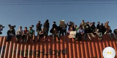 Wallstreet Aktivisten besetzen Hafen