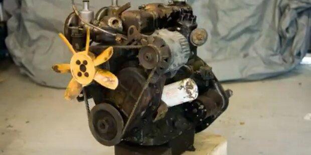 11 Monate, 3000 Bilder: Motor zerlegt sich selbst