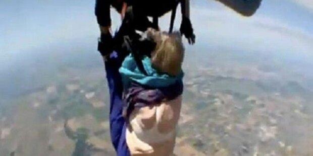80-Jährige fast nackt bei Fallschirmsprung