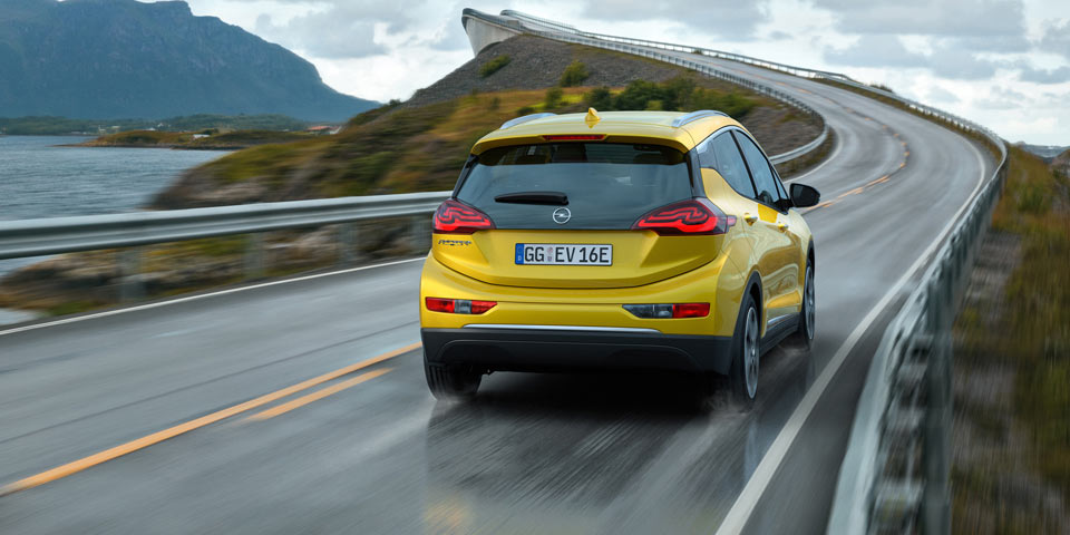 Opel-Ampera-e-303295.jpg