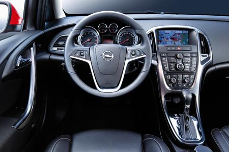 Opel-Astra: Der Testbericht der Siegerin wird in MADONNA veröffentlicht.