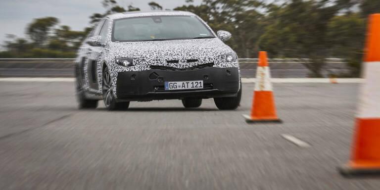 """Opel jagt neuen Insignia durch die """"Grüne Hölle"""""""