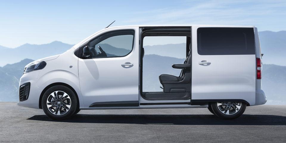 Opel-Zafira-Life-960-off2.jpg