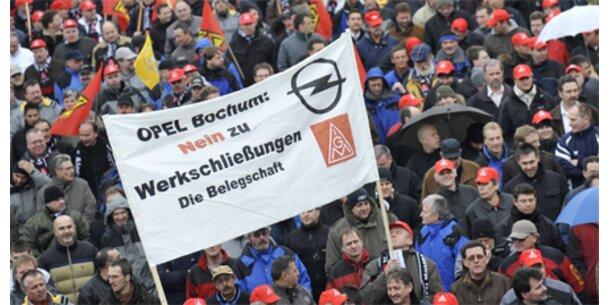 Tausende Opel-Mitarbeiter demonstrieren für Jobs