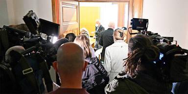Opfer-Mutter klagt die Republik nach Terror in Wien