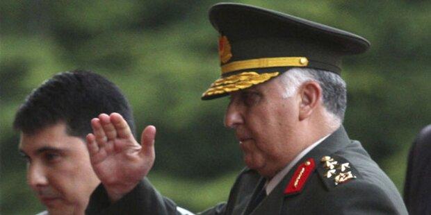 Neue Militärführung offiziell ernannt