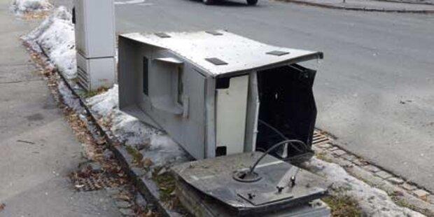 Nach Crash Radarbox völlig zerstört
