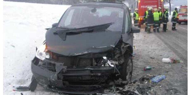 Mega-Crash auf B50 fordert 7 Verletzte