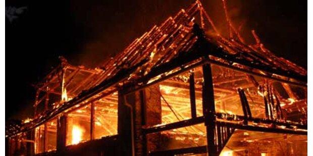 Brand legt Haus in Schutt und Asche