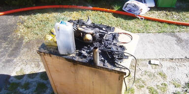 Handy-Akku explodierte: Kasten in Flammen