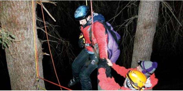 Paraglider blieben in Baumwipfeln hängen