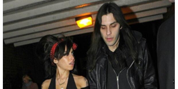 Amy Winehouse hat einen neuen Lover