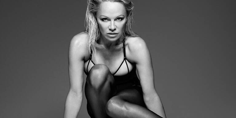 Pamela Anderson zeigt sich wieder sexy
