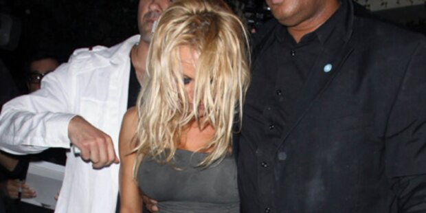 Pamela Anderson kann nicht mehr gehen