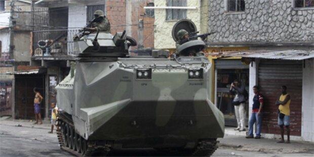 Rio de Janeiro: Panzer gegen Drogenbanden