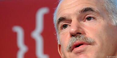 Papandreou sucht die Schuld nun bei Anderen