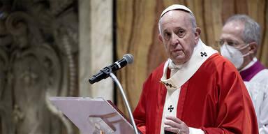 Papst zelebrierte Karfreitagsliturgie im leeren Petersdom