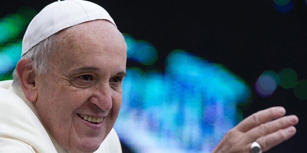 Papst feiert Christmette im Petersdom