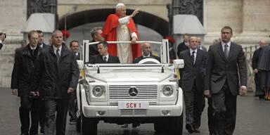 Papst steigt auf Plug-in-Hybrid um
