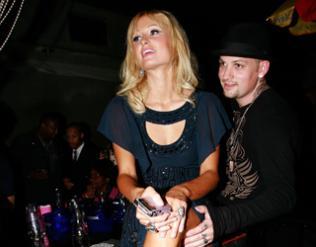 Paris Hilton & Benji Madden 320*250