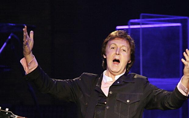 Paul McCartney badet auf Bardados