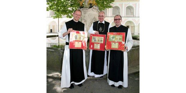 Pop-Mönche feiern