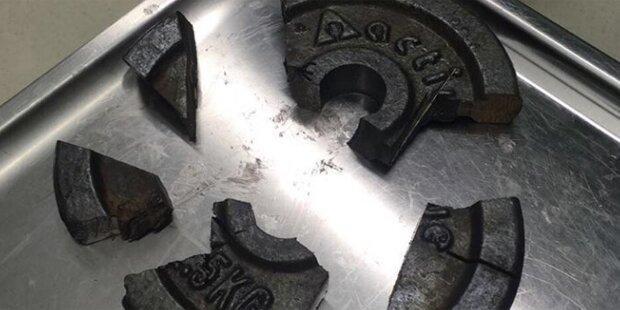 Kurioser Unfall: Penis in Hantelscheibe eingeklemmt